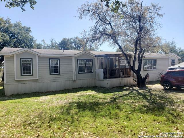 309 Crosscreek Dr, Floresville, TX 78114 (MLS #1449675) :: Alexis Weigand Real Estate Group