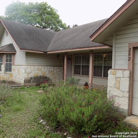 202 Dove Ct E, Boerne, TX 78006 (MLS #1449763) :: Neal & Neal Team
