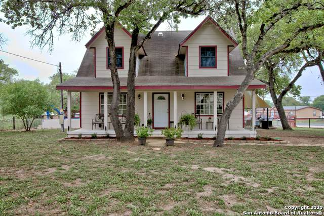 4431 Waterwood Pass Dr, Elmendorf, TX 78112 (MLS #1449819) :: 2Halls Property Team | Berkshire Hathaway HomeServices PenFed Realty