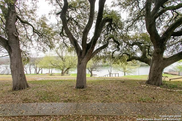 2745 Bandera Hwy, Kerrville, TX 78028 (MLS #1449884) :: Tom White Group