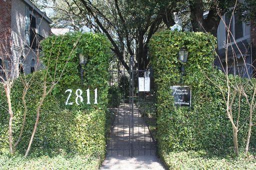 2811 Woodbury Dr #304, San Antonio, TX 78217 (MLS #1449904) :: Reyes Signature Properties