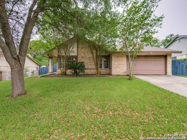 16507 Willow Run St, San Antonio, TX 78247 (#1450157) :: The Perry Henderson Group at Berkshire Hathaway Texas Realty
