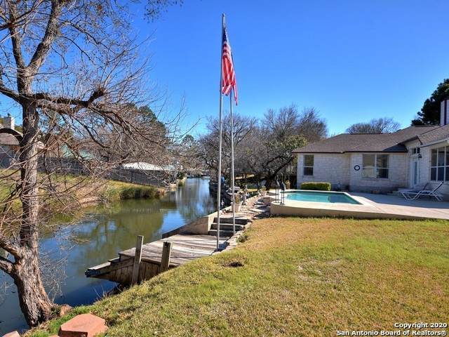 303 Mountain View, Sunrise Beach, TX 78643 (MLS #1450212) :: The Gradiz Group