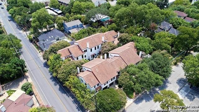 208 Grandview Pl #3, Alamo Heights, TX 78209 (MLS #1450306) :: Reyes Signature Properties