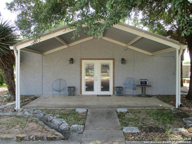 6071 Us Highway 87 W, Sutherland Springs, TX 78161 (MLS #1450483) :: The Gradiz Group