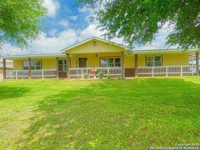 28 Fm 1303, Floresville, TX 78114 (MLS #1450699) :: BHGRE HomeCity San Antonio