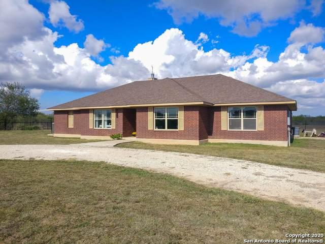 2259 County Road 325, Sabinal, TX 78881 (MLS #1451073) :: Reyes Signature Properties