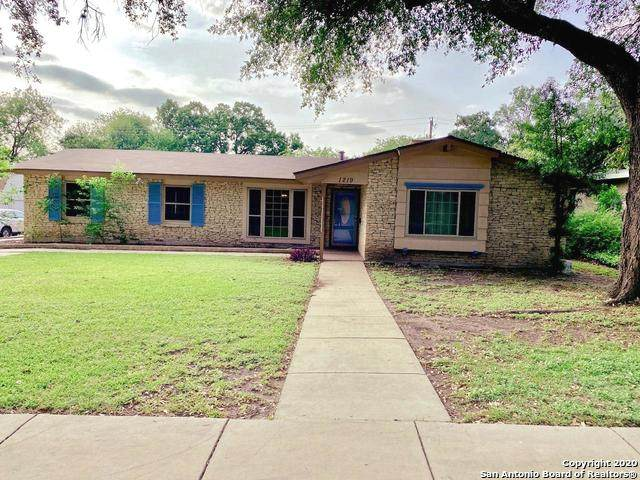 1219 Viewridge Dr, San Antonio, TX 78213 (MLS #1452575) :: The Gradiz Group