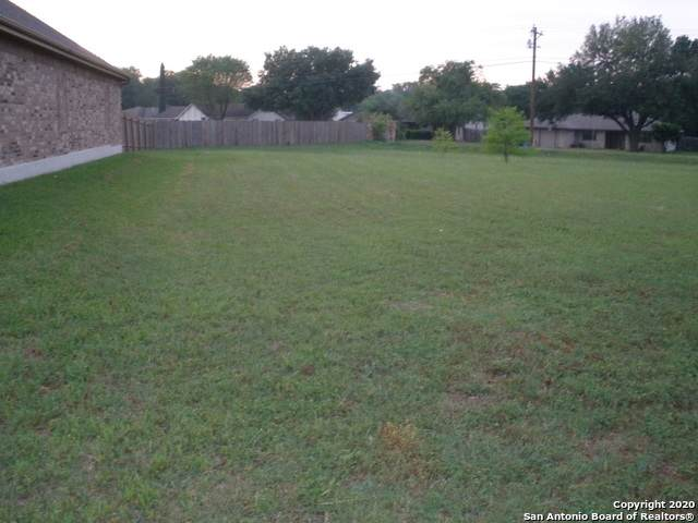 1700 Nordberg, Seguin, TX 78155 (MLS #1452627) :: The Lugo Group
