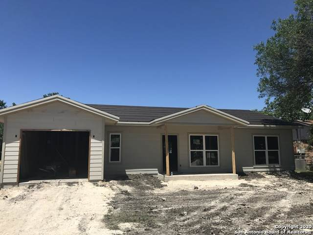 1140 Sycamore St, Seguin, TX 78155 (MLS #1453686) :: BHGRE HomeCity San Antonio