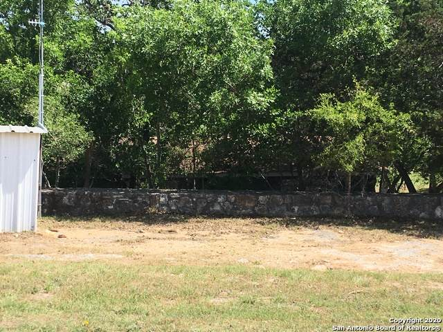 1316 Lakeshore Dr, Bandera, TX 78003 (MLS #1454368) :: The Gradiz Group