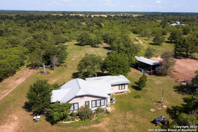 300 Quarter Horse Ln, Luling, TX 78648 (MLS #1454831) :: The Glover Homes & Land Group
