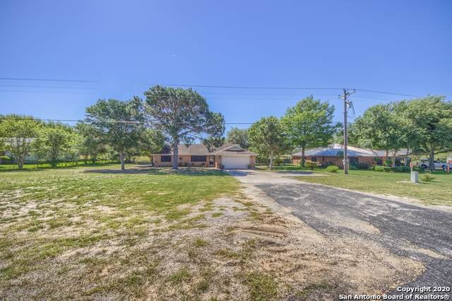 4723 Fm 775, La Vernia, TX 78121 (MLS #1455255) :: The Glover Homes & Land Group