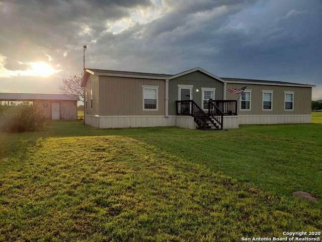 107 County Road 7719, Devine, TX 78016 (MLS #1455365) :: BHGRE HomeCity San Antonio