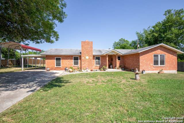 370 Montague Dr, Bandera, TX 78003 (#1455368) :: The Perry Henderson Group at Berkshire Hathaway Texas Realty