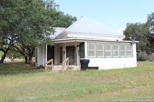 308 W Coker Ave, Devine, TX 78016 (MLS #1456177) :: The Glover Homes & Land Group