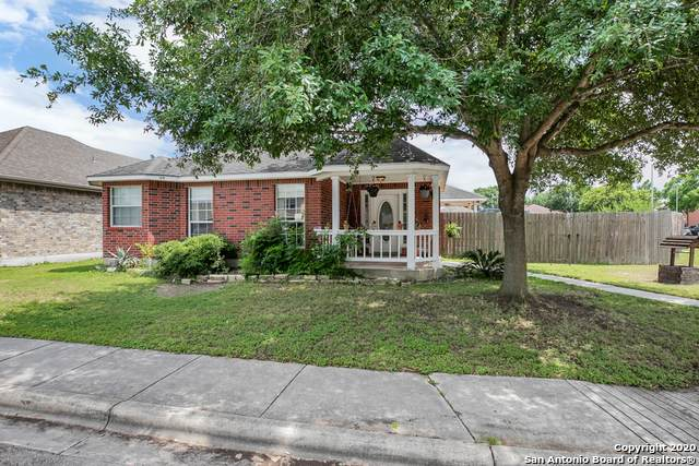 1747 Logans Pass, New Braunfels, TX 78130 (MLS #1456179) :: BHGRE HomeCity San Antonio