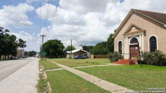 200 N Avenue E, Waelder, TX 78959 (MLS #1456349) :: The Castillo Group