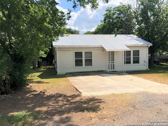 605 12TH ST, Bandera, TX 78003 (MLS #1456731) :: Carolina Garcia Real Estate Group