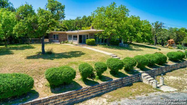 320 Valley Dr, Kerrville, TX 78028 (MLS #1457722) :: Reyes Signature Properties