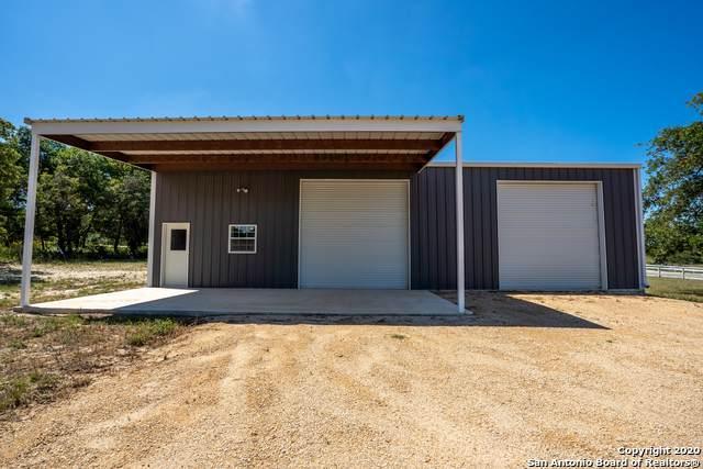128 Lakeview Cir, La Vernia, TX 78121 (#1457775) :: The Perry Henderson Group at Berkshire Hathaway Texas Realty