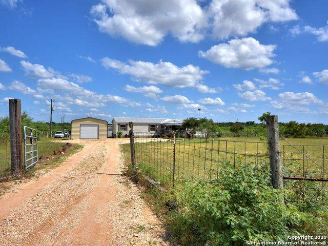130 Indian Trail, Lockhart, TX 78644 (MLS #1458082) :: The Glover Homes & Land Group