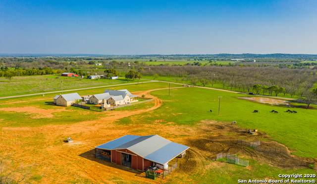 4706 Goehmann Ln, Fredericksburg, TX 78624 (#1458157) :: The Perry Henderson Group at Berkshire Hathaway Texas Realty