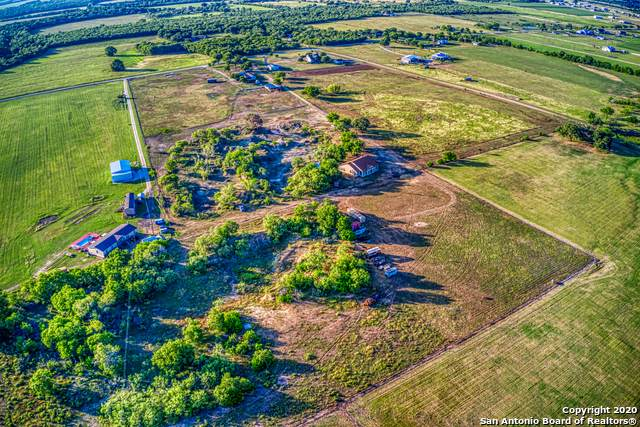 1597 Zuehl Crossing, La Vernia, TX 78121 (MLS #1458450) :: The Glover Homes & Land Group