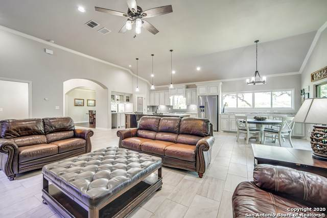 180 Sage Oaks Trail, Boerne, TX 78006 (MLS #1458547) :: The Mullen Group | RE/MAX Access