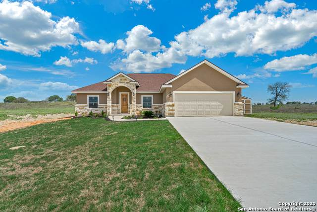 106 Las Palomas Dr, La Vernia, TX 78121 (MLS #1458603) :: The Glover Homes & Land Group