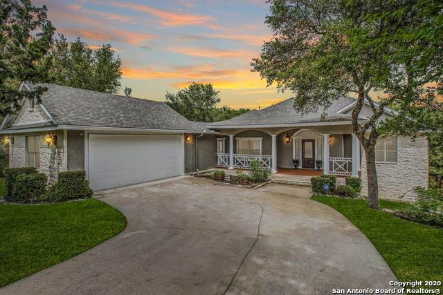 16522 Loma Landing, Helotes, TX 78023 (#1459149) :: The Perry Henderson Group at Berkshire Hathaway Texas Realty