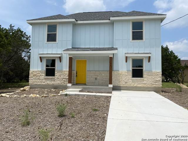 1749 Green Hill Dr, Canyon Lake, TX 78133 (MLS #1459257) :: BHGRE HomeCity San Antonio