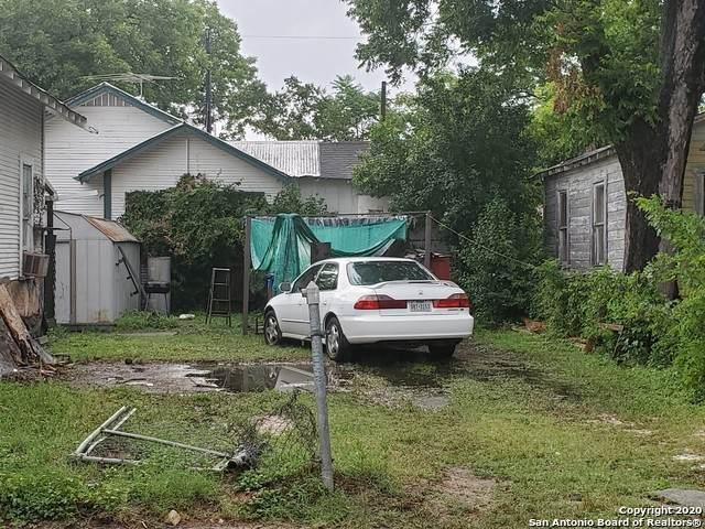 424 Chupaderas, San Antonio, TX 78207 (MLS #1459349) :: 2Halls Property Team | Berkshire Hathaway HomeServices PenFed Realty