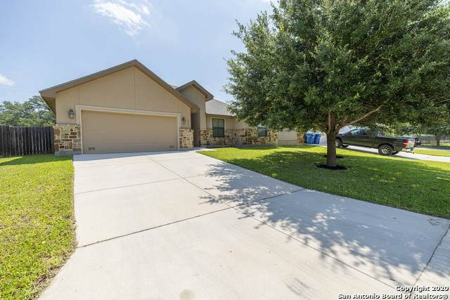 1840 Lost Trail, Pleasanton, TX 78064 (MLS #1459501) :: The Gradiz Group
