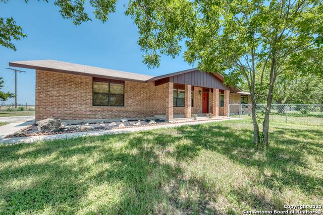 3191 Haeckerville Rd, Cibolo, TX 78108 (MLS #1459514) :: Carolina Garcia Real Estate Group