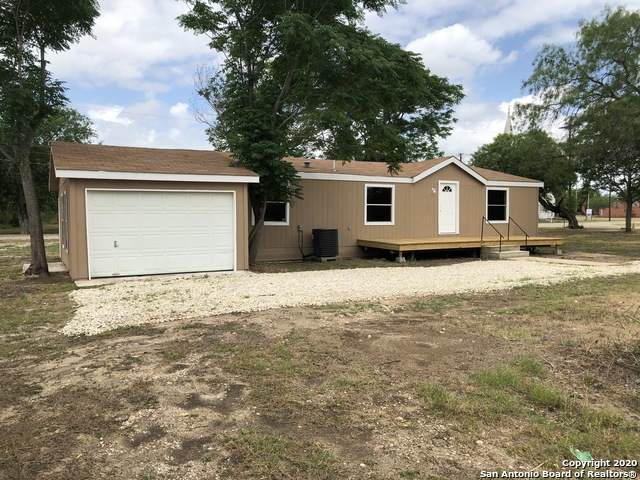 105 Tenth, Christine, TX 78012 (MLS #1459520) :: The Gradiz Group