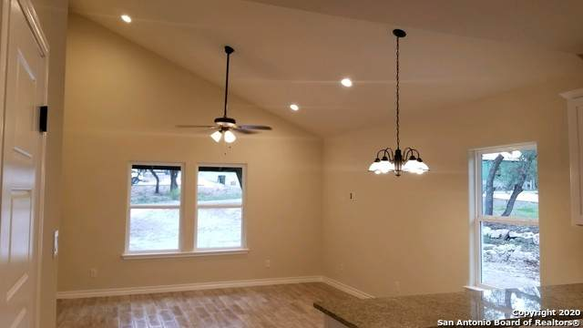 1123 Bob White Dr, Spring Branch, TX 78070 (MLS #1459593) :: Berkshire Hathaway HomeServices Don Johnson, REALTORS®
