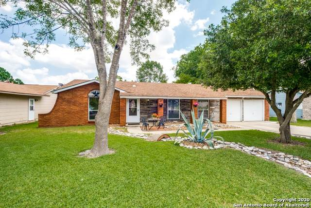 226 Whispering Oaks, Live Oak, TX 78233 (MLS #1459619) :: 2Halls Property Team | Berkshire Hathaway HomeServices PenFed Realty