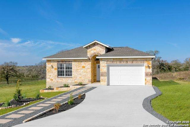 521 Lazy Oak Ln, La Vernia, TX 78121 (MLS #1459641) :: Maverick