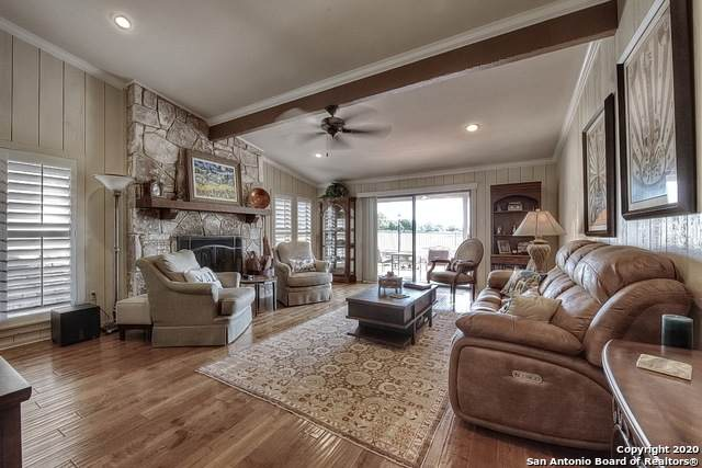542 Fairway Dr, Kerrville, TX 78028 (MLS #1459713) :: The Glover Homes & Land Group