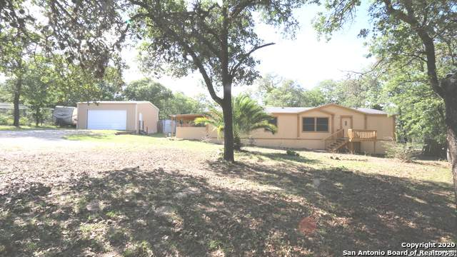 220 Lost Trail, La Vernia, TX 78121 (MLS #1459856) :: Reyes Signature Properties
