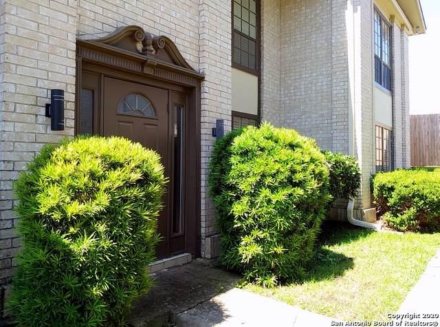 165 W Rampart Dr #903, San Antonio, TX 78216 (MLS #1459995) :: Reyes Signature Properties