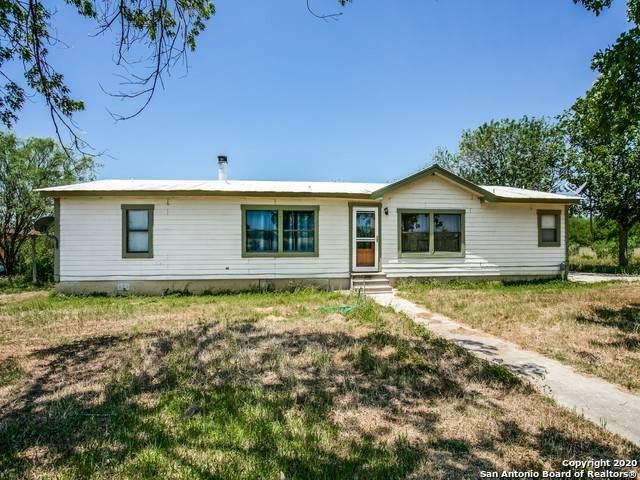 102 Hidden Lane, Jourdanton, TX 78026 (MLS #1460125) :: BHGRE HomeCity San Antonio