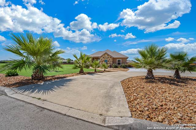 1715 Camden Ln, Pleasanton, TX 78064 (MLS #1460200) :: Neal & Neal Team