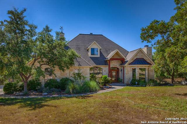 1147 Waterstone Pkwy, Boerne, TX 78006 (MLS #1460227) :: The Gradiz Group