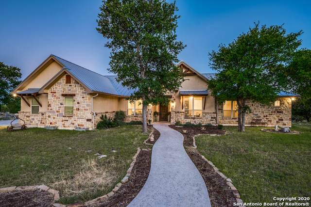138 Hunters View Cir, Boerne, TX 78006 (MLS #1460363) :: The Gradiz Group