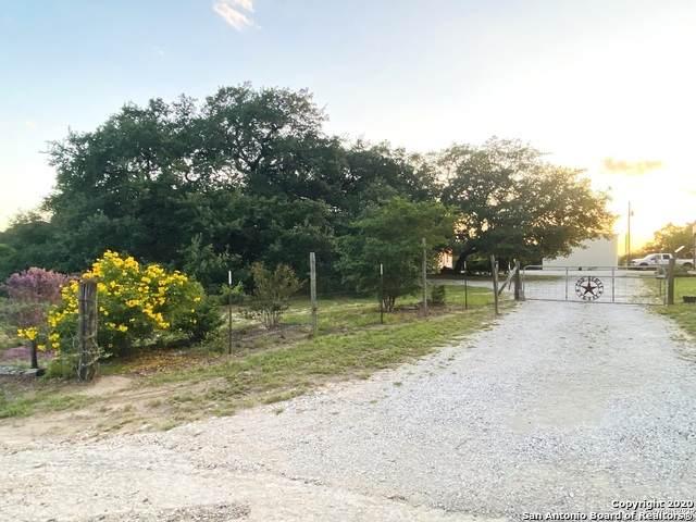 4905 Eichman Rd, Von Ormy, TX 78073 (MLS #1460367) :: Reyes Signature Properties