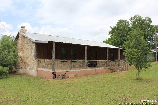501 Hudson St, Runge, TX 78151 (MLS #1460441) :: Alexis Weigand Real Estate Group
