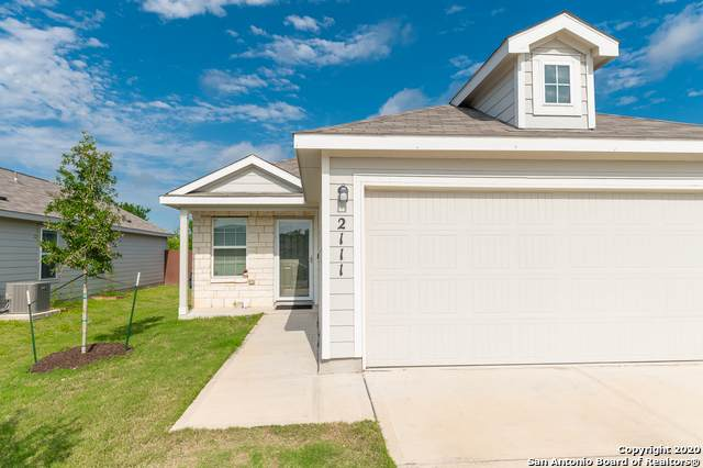 2111 Marbach Oaks, San Antonio, TX 78245 (MLS #1460458) :: BHGRE HomeCity San Antonio