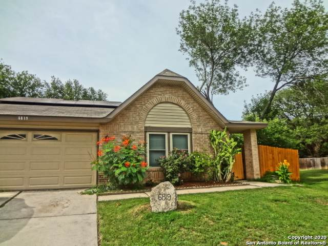 6819 Country Cross, San Antonio, TX 78240 (MLS #1460499) :: Berkshire Hathaway HomeServices Don Johnson, REALTORS®